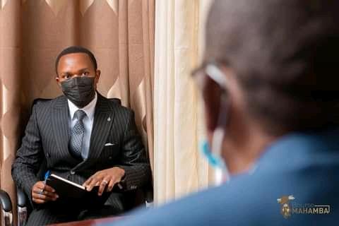 Nord Kivu : le journaliste Fiston Mahamba lance la première édition de la bourse portant son nom à Beni