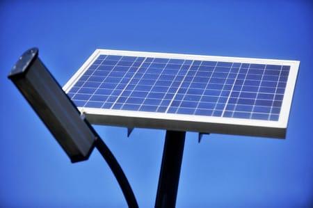 Beni-Oïcha : des kits d'éclairage public par photovoltaïque, victimes des actes barbares