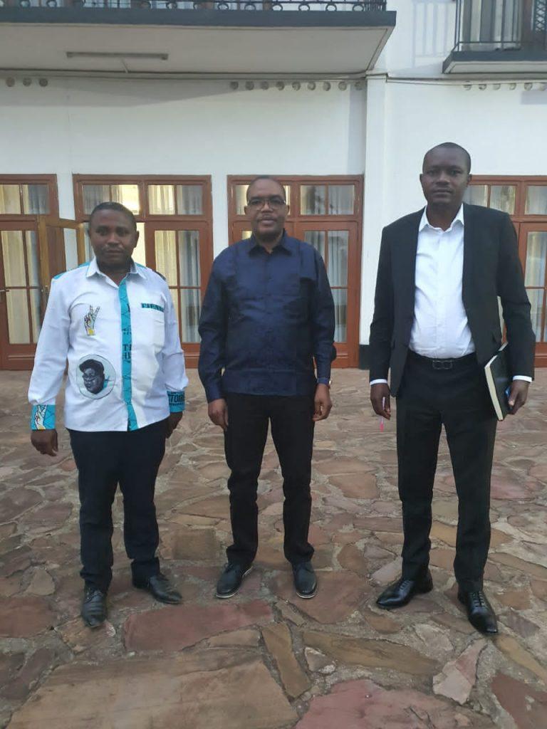 Sud-Kivu : l'honorable M'sambya Abwe Freddy a rencontré le gouverneur de province pour discuter autour des projets sociaux à impact rapide à Fizi